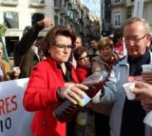 'Campanadas' madrugadoras como protesta contra los recortes en Paradores