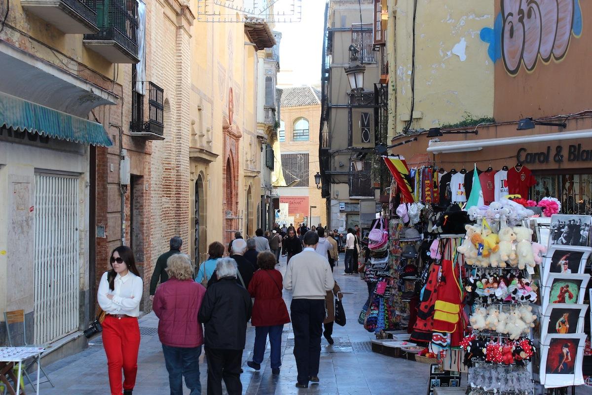 Las obras en calle Granada tienen un plazo de 6 meses. / T.M.