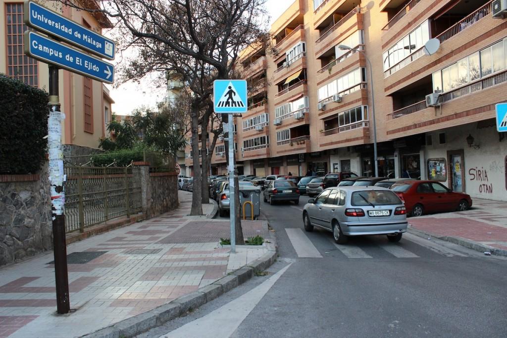 El problema del aparcamiento, principal 'quiebradero de cabeza' para los vecinos. / T.M.