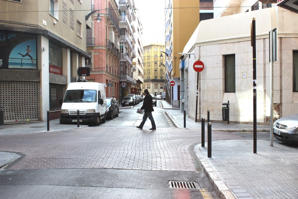 La calle San Lorenzo, paralela a la Alameda de Colón, foco de los ruidos. / T.M.