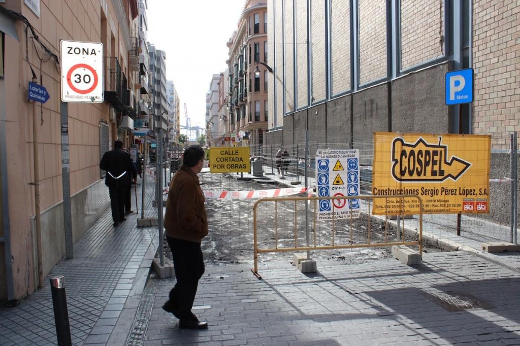 La calle Tomás Heredia, primera en obras en el barrio. / T.M.