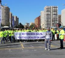Los policías locales trasladan al centro su 'batalla' con el Ayuntamiento