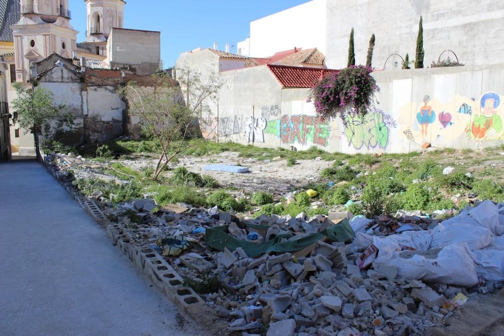 Solar de calle Chinchilla con restos de hornos debajo. / T.M.