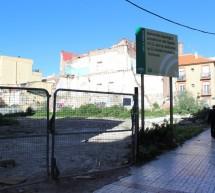 Retiran la valla del solar de calle Gigantes y los vecinos aguardan a su tapiado