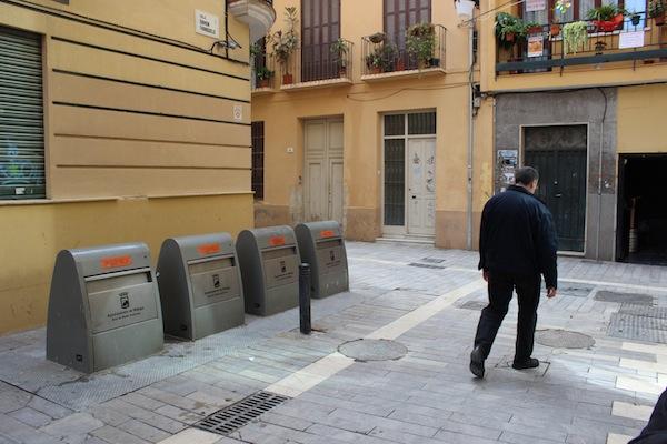 Contenedores de basura en el centro. / T.M.