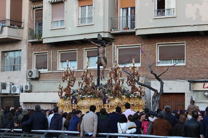 La lluvia no ha impedido que muchas procesiones salieran a la calle. / T.M.